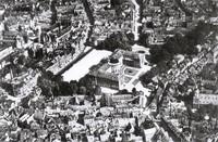 Das Residenzschloss 1930: Luftbild von Südosten