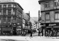 1938: Die Stobenstraße von der Ecke Langedammstraße nach Süden gesehen, rechts der Damm
