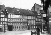1936: Auguststraße 9-11