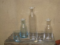 Firma HOLMEGAARD , Serie MINIMA  0,5 Liter Wasserkaraffe  € 25,- 0,9 Liter                            € 28,- 1,5 Liter                            € 35,-