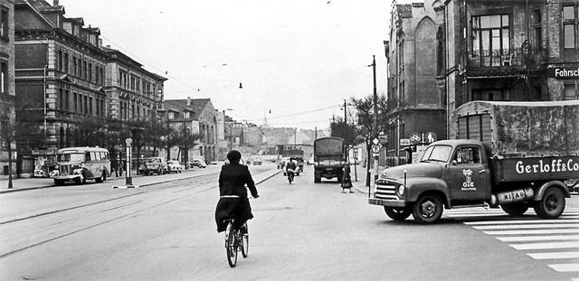 1956: Der Augustplatz von Ecke Löwenwall
