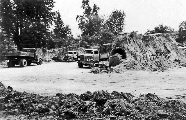 Der Windmühlenberg Juni 1959: Luftschutzstollen kommen zu Tage