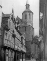 Magnikirchstraße mit Blick auf die Türme von St. Magni