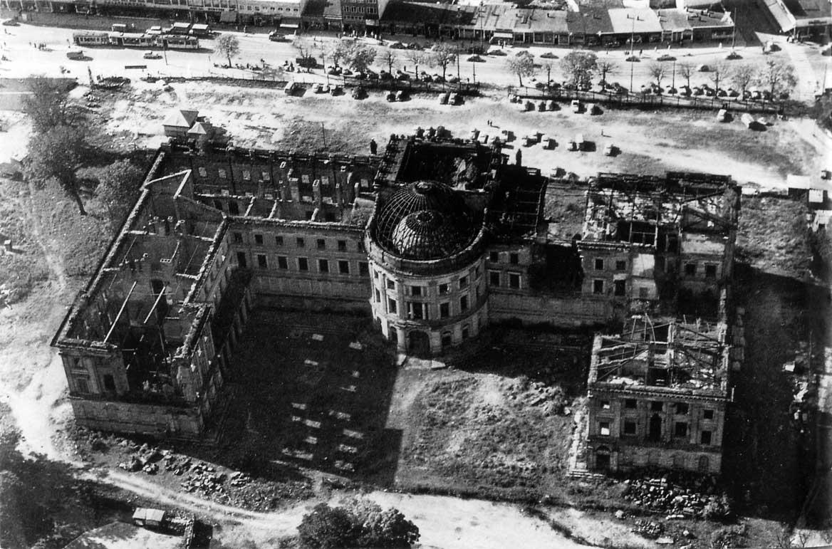 residenzschloss_ruine.jpg (1168×771)